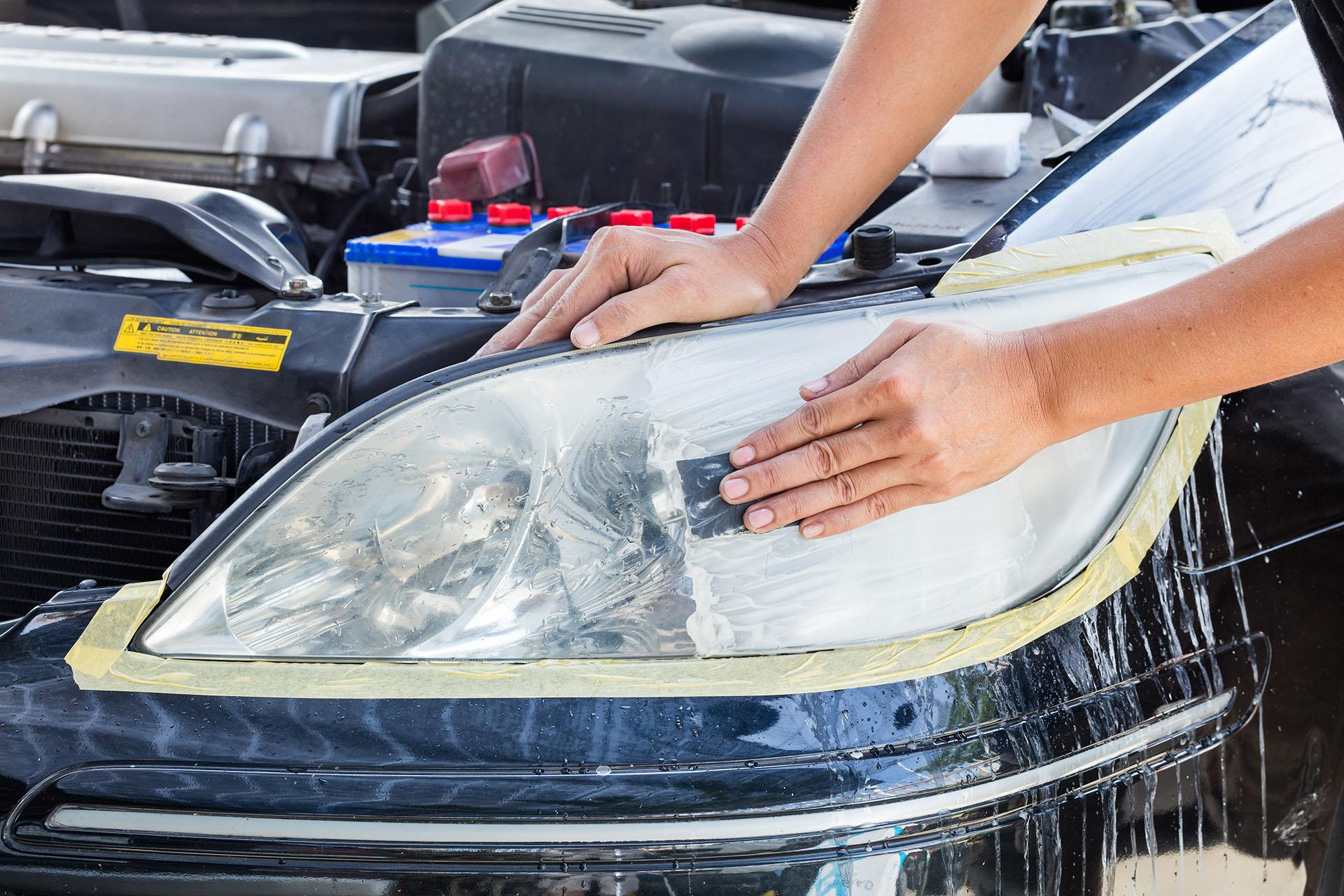 Comment rénover les phares optiques opaques ou jaunis de sa voiture ?