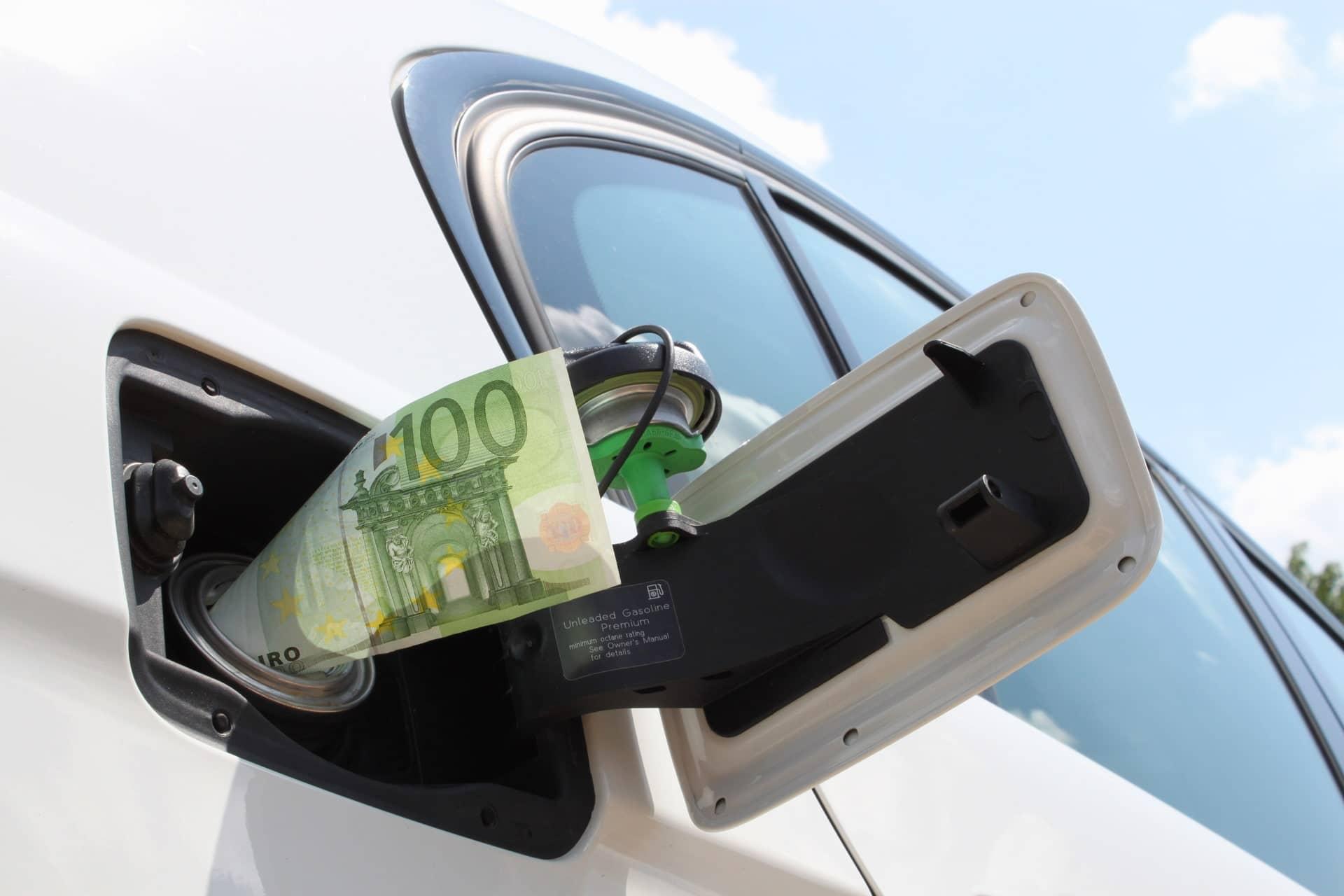 Quel carburant choisir au moment d'acheter sa voiture : essence, diesel, électrique ou hybride ?
