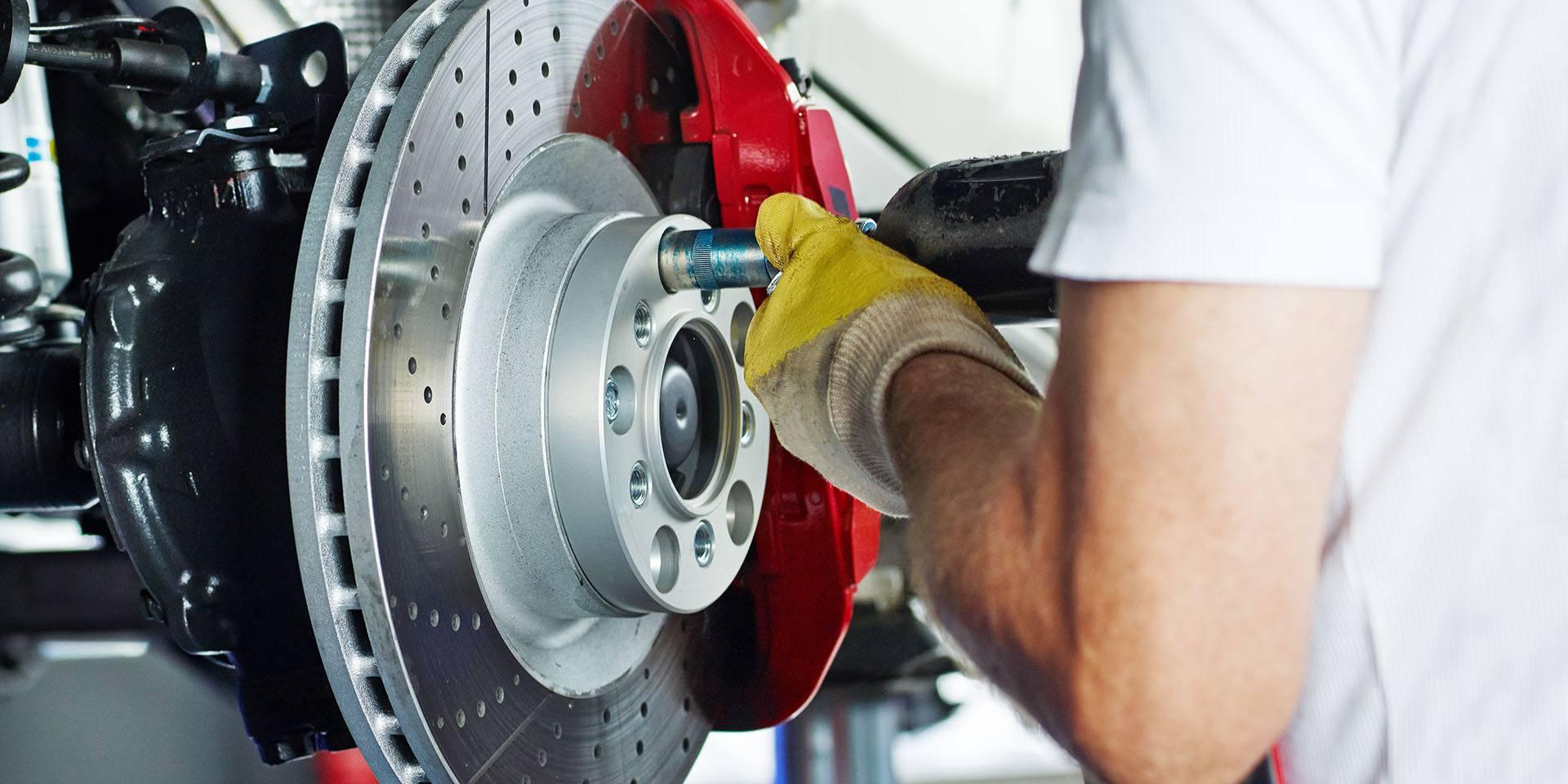 Quand changer les disques et plaquettes de frein de ma voiture ?