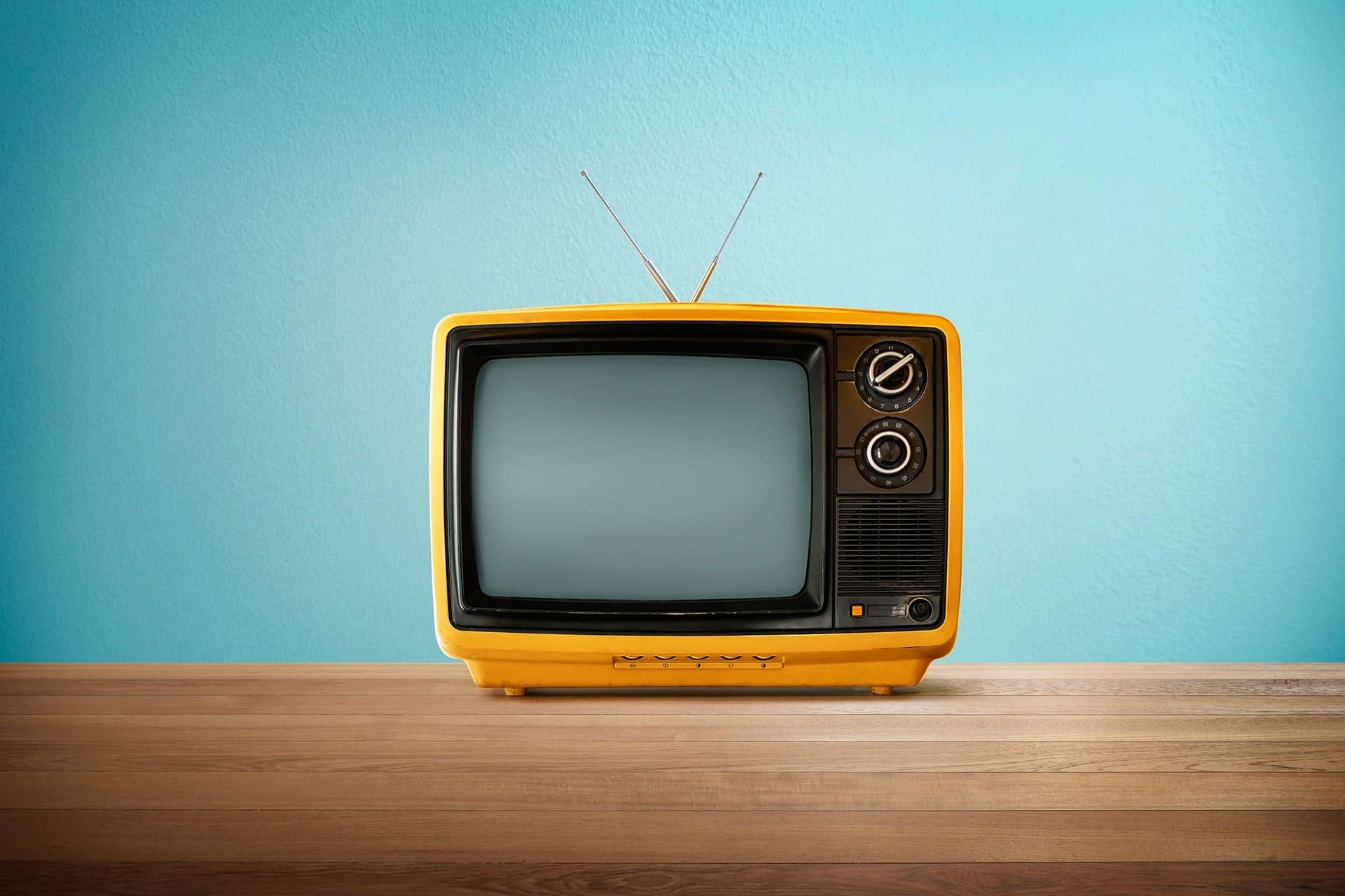 La publicité TV pour les voitures thermiques : bientôt interdite ?