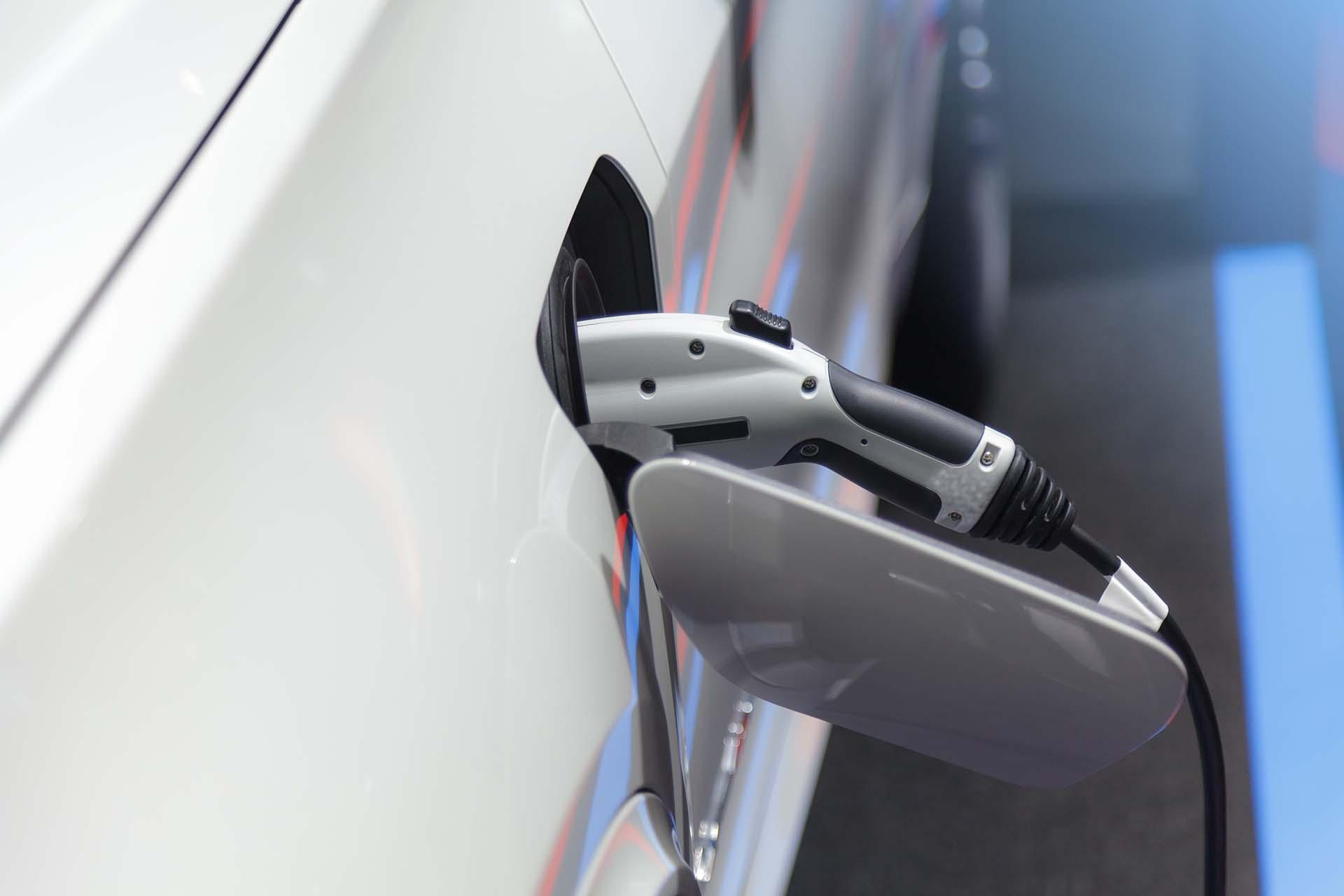 Acheter une voiture électrique en occasion : nos conseils