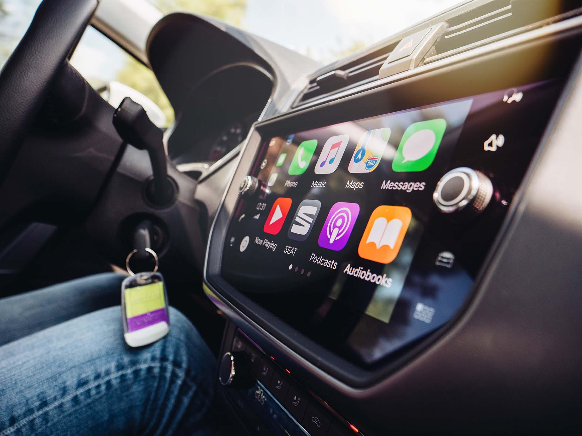 Apple CarPlay, MirrorLink, Android Auto : quelles solutions pour connecter son smartphone à sa voiture ?