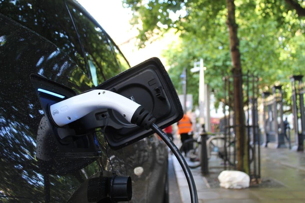 Bonus écologique sur les voitures électriques d'occasion : où en sommes-nous ?